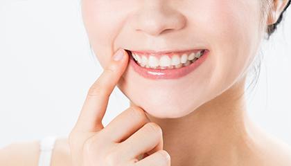 歯の見た目を美しく「セラミック」という選択肢